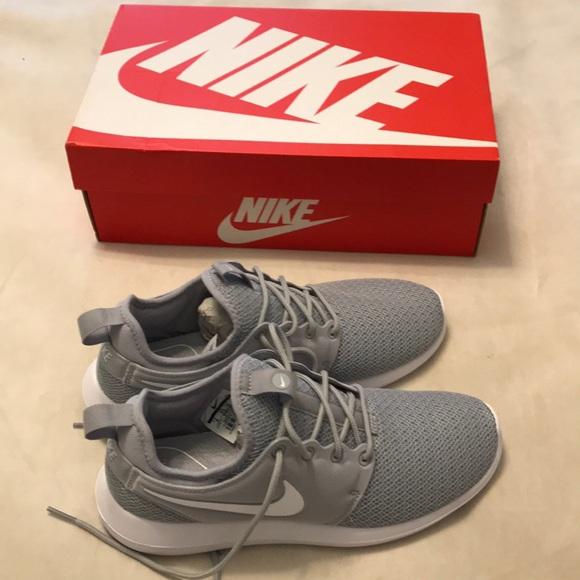 New in box Nike Roshe Two sneakers